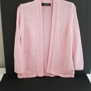Pink knitted sweater with 3/4 sleeves